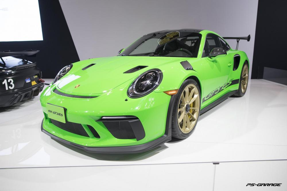 2019 Canadian International Auto Show - 2019 Porsche GT3 RS Green